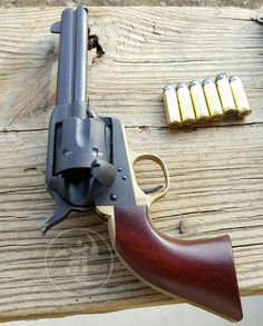 Cattlemans Single-Action Revolver Cal .45 Long Colt Holds 6 Rounds