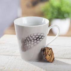 Hrnček s pierkom, sivý Mugs, Tableware, Dinnerware, Tumblers, Tablewares, Mug, Dishes, Place Settings, Cups