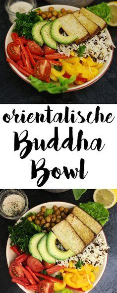 Ich liebe vegetarische Buddha Bowls. Diese Bowl ist mit Humus, Kichererbsen und Reis eher orientalisch angehaucht. Der Reis sorgt für den Sattmach-Faktor und viel buntes Gemüse sorgt den Rainbow-Food Effekt.