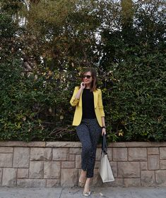 I like how the faint pattern in the black looks with the yellow jacket.
