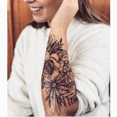 Tattoo arm, tattoo flower, tattoo woman – … - Tattoos for Couples,Tattoos for Women Dr Tattoo, Tattoo Fleur, Back Tattoo, Tattoo Hand, Lion Tattoo, Unique Half Sleeve Tattoos, Full Sleeve Tattoos, Sleeve Tattoos For Women, Forarm Tattoos For Women