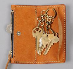 LEATHER KEY AND COIN CASE, BROWN :: HICKOREE'S