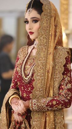 Beautiful Pakistani Bride Wearing Red Bridal Suit Prepared by Natasha Salon's Bridal Makeup Artists Loading. Beautiful Pakistani Bride Wearing Red Bridal Suit Prepared by Natasha Salon's Bridal Makeup Artists Asian Bridal Dresses, Bridal Mehndi Dresses, Walima Dress, Shadi Dresses, Bridal Dress Design, Pakistani Wedding Outfits, Indian Bridal Outfits, Pakistani Wedding Dresses, Wedding Hijab