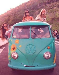 Road trip without a destination in a vw bus. Volkswagen Transporter, Volkswagen Bus, Vw Camper, Vw Caravan, Vw T1, Hippie Style, Hippie Love, Boho Hippie, Hippie Vibes