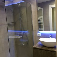 Baño suite Living Spaces, Barcelona, Bathtub, Bathroom, Nail Decorations, Standing Bath, Washroom, Bathtubs, Bath Tube