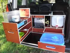 E Boutique Commercial vehicle layout Minivan Camper Conversion, Suv Camper, Build A Camper Van, Truck Bed Camper, Mini Camper, Pickup Camping, Minivan Camping, Truck Camping, Diy Camping