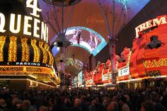 L is for LAS VEGAS: 34 things to do when you're not gambling ~ A Passion and A Passport | A Travel and Adventure Blog