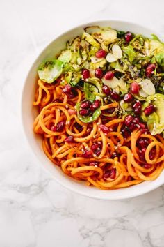 The Best Ways to Cook Spiralized Sweet Potato Noodles (Inspiralized) My Favorite Food, Favorite Recipes, Lean Cuisine, Sweet Potato Noodles, Fast Metabolism Diet, Fat Loss Diet, Stop Eating, Easy Cooking, Macaroni And Cheese