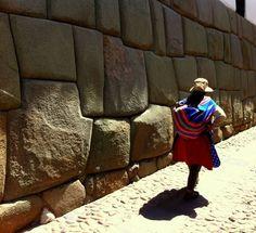 Colors & Inca's walls. Cusco - Peru