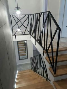 Modern Staircase Railing, Small Staircase, House Staircase, Stair Railing Design, Home Stairs Design, Interior Staircase, Foyer Design, Home Interior Design, House Design