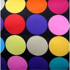 Twister met een twist (spel);  materiaal: gekleurde schijfjes  (bv geverfde bierviltjes) je legt de gekleurde  schijfjes doorheen de kamer, ook op stoelen, tafels, tegen de muren, op de grond,... bgl geeft de opdrachten bv buik op rood, oor op geel, hand op blauw, rug op groen, ... (voor jonge kinderen steeds maar 1 opdracht per keer, om het moeilijker te maken kan je  meerdere opdrachten tegelijk geven bv voet op groen en neus op rood)