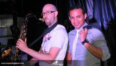 Arturo Cerrato (Saxo) y Álex Jaramillo (Cantante)