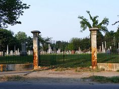 Travel | Kentucky | Creepy Cemetery | Cemetery | Grave Yard | Louisville | Abandoned Places | Spooky | Ghosts | Ghost Hunting | Day Trips