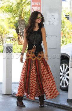 Selena Gomez  sunglasses x5 bmw nine zero one justin beiber gypsy shirt tank gypsy skirt