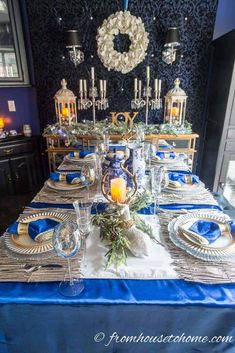 Looking for for living room or holiday table inspiration? These blue and white Christmas home decorating ideas are sure to add holiday spirit to your house. Blue Christmas Decor, Christmas Decorations For The Home, Christmas Table Settings, Christmas Tablescapes, Farmhouse Christmas Decor, Christmas Centerpieces, Gold Christmas, Christmas Home, Tree Decorations