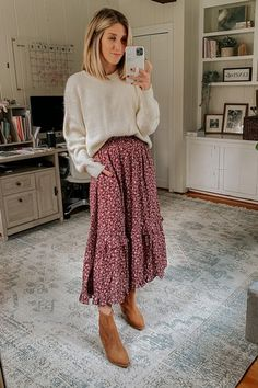 Fall Family Photo Outfits, Mom Outfits, Fall Winter Outfits, Modest Outfits, Autumn Winter Fashion, Cute Outfits, Autumn Family Photos, Winter Teacher Outfits, Maxi Skirt Outfits