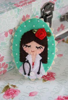 Felt nurse brooch, via Flickr