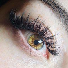 Kim K inspired eyelash extensions. Staggered volume to look like falsies #EyelashExtensionsStyles Fake Eyelashes, False Lashes, Makeup Brushes, Eye Makeup, Prom Makeup, Hair Curlers Rollers, Best Makeup Tutorials, Makeup Ideas, Eyelash Extensions Styles