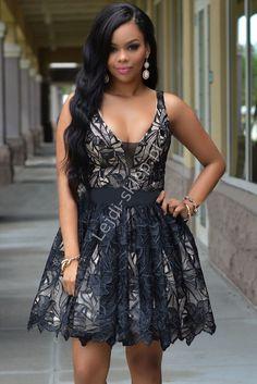 Czarna sukienka z haftowanym na organzie kwiatowym motywem |sukienka na połowinki, bal gimnazjalny, wesele, studniówkę, rozkloszowana
