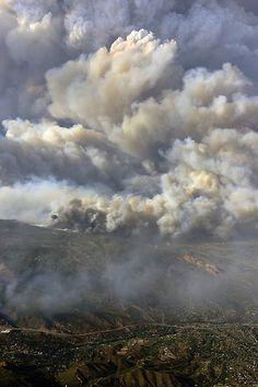 Aerial images of Waldo CanyoFire in Colorado Springs via @denverpost https://www.facebook.com/SpringsTourism