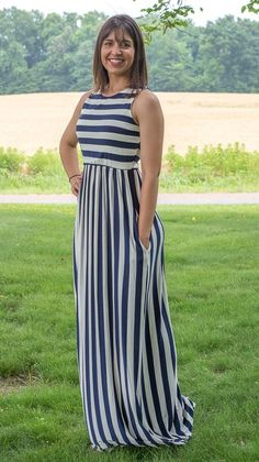 Savannah Stripe Maxi in Navy, I love these super soft dresses! Great prices too! Modest Dresses, Simple Dresses, Casual Dresses, Summer Dresses, African Fashion Dresses, Fashion Outfits, African Traditional Dresses, Frock Design, Abaya Fashion