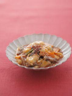 お餅を野菜と一緒に甘辛く味付けして、韓国のトッポギ風に。/お正月の華やかレシピ(「はんど&はあと」2012年1月号)