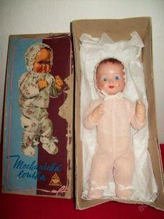 mechanická panenka na klíček v orginální krabici,výrobce DUBENA ČESKY DUB - 15.října 1964.