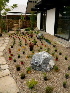 sommer-beet mit roten rosen und pampasgras an der seite | garten, Garten und erstellen