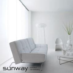 De sfeer die u met een SUNWAY paneelgordijn in uw interieur creëert, is in grote mate afhankelijk van het materiaal dat u kiest. Kiest u voor stof? SUNWAY heeft een groot aanbod in stoffen, zowel in dichte als transparante kwaliteiten. U kunt kiezen uit frisse en trendy kleuren, maar natuurlijk ook uit tijdloze naturellen.