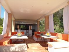 Outside space in luxury home in Mallorca Outdoor Furniture, Outdoor Decor, Ibiza, Luxury Homes, Euro, Villa, Space, Table, Home Decor