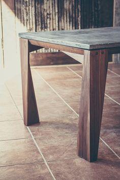 Table de salon bois et béton