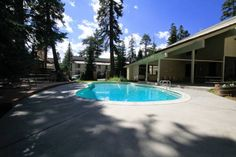 Mammoth Mountain Reservations Pet Friendly condos Mammoth Lakes (California) Featuring an outdoor pool, sauna and hot tub, these self-catering accommodations near Mammoth Mountain Ski Resort offer fully-equipped kitchens and free WiFi.