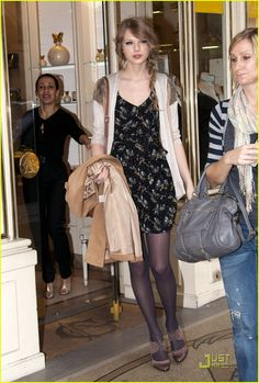 Taylor Swift in Paris. I really like her distinct style.