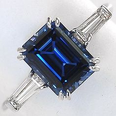 sapphire: love the old style vintage feel of this lovely ring. If only it was yellow gold.