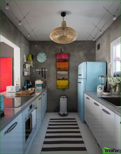 Modern galley kitchen designs to inspire your kitchen remodel. Find layout ideas for a narrow kitchen, plus inspiration for larger open plan galley kitchens. Small Galley Kitchens, Home Kitchens, Eclectic Kitchen, Kitchen Interior, Kitchen Modern, Apartment Kitchen, Long Kitchen, Narrow Kitchen, Kitchen White