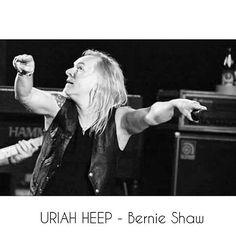 #uriahheep #rock #progrock #rockmusic #rocksinger #singer #voice #rockvoice #liveconcert #livemusic #photography #photographer #myphotowork #myportfolio #minolta #minoltalens #dslr #konicaminolta #konicaminolta7d #bernieshaw #music