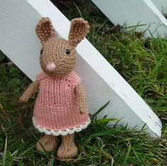 bunny in sweet dress pattern. Free download