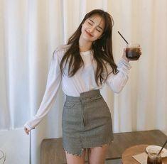 Korean Fashion – How to Dress up Korean Style – Designer Fashion Tips Korea Fashion, Asian Fashion, Teen Fashion, Fashion Outfits, Fashion Tips, Cute Casual Outfits, Simple Outfits, Summer Outfits For Teens, Ulzzang Korean Girl