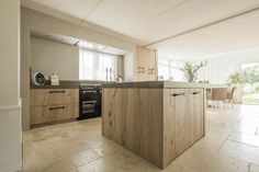 Bekijk hier welke prachtige keukens Van Galen Keuken & Bad heeft mogen leveren!