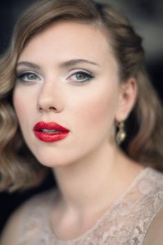Scarlett Johansson testimonial del profumo Desire ritratta da Terry Richardson