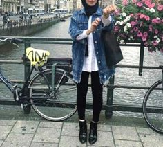jean-jacket-hijab-ankle-boots- How to wear ankle boots with hijab