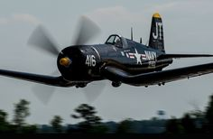 2014 Boshears Skyfest and Fly-in by F4U-4 Corsair. Photo by Dean Wingard at Taylor BMW.