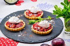 Tarte cu rubarba si prune Cheesecake, Desserts, Food, Tailgate Desserts, Deserts, Cheesecakes, Essen, Postres, Meals