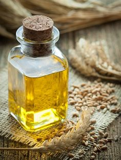 Wheat germ oil is thick, moisturizing, antioxidant, and anti-inflammatory. But those aren't the only reasons you should use wheat germ oil for skin. Stretch Mark Treatment, Stretch Mark Remedies, Stretch Mark Removal, Stretch Mark Cream, Stretch Marks, Wheat Germ Oil Benefits, Best Hair Growth Oil, Natural Bleach, Beleza