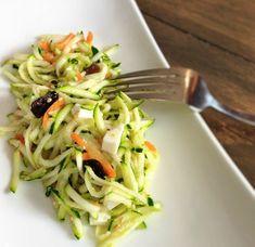 17 ideas for snacks healthy work veggies Healthy Work Snacks, Super Healthy Recipes, Healthy Fruits, Healthy Salad Recipes, Healthy Foods To Eat, Raw Food Recipes, Healthy Eating, Cooking Recipes, Most Nutritious Foods