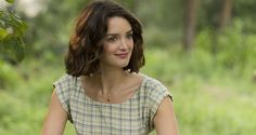 Charlotte Le Bon on 'The Hundred-Foot Journey' and Her Non-Existent Cooking Skills (VIDEO) - Moviefone Blog Canada