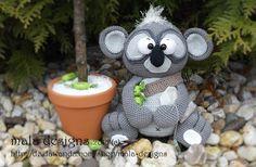 Handleiding haken - großer Koala mit Eukalyptusbaum,pdf Häkelanleitung - Een uniek product van Mala-Designs op DaWanda