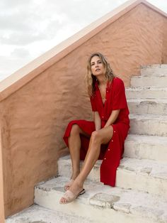 red button up shirt dress = sexy yet casual chic Fashion Me Now Fashion Me Now, Look Fashion, Womens Fashion, Spain Fashion, Fashion Clothes, Dress Fashion, Net Fashion, Laid Back Fashion, Red Fashion Outfits