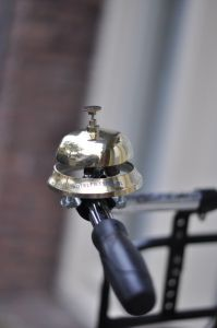Old-fashioned charm! Bicycle Bell, Bicycle Race, Bicycle Parts, Ring My Bell, Brompton, Biker Chick, Bike Accessories, Kitchen Aid Mixer, My Ride