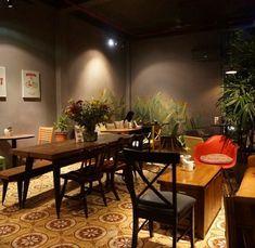 9 quán cafe nền gạch hoa cực nghệ ở Sài Gòn mà bạn nên ghé qua... chụp hình - Ảnh 15. Parrot Flying, Coffee Restaurants, Food Poster Design, Outdoor Cafe, Coffee Shop Design, Chinese Art, Dining Table, Furniture, Vietnam